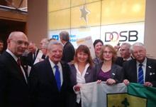 Von links:  Uwe Abel (Vorsitzender des Vorstands der Mainzer Volksbank) Joachim Gauck (Bundespräsident) Petra Regelin (Landessportbund) Susanne Szeder (Pressewartin TuS Sörgenloch) Walter Desch (Vizepräsident Kommunikation Landessportbund RLP)
