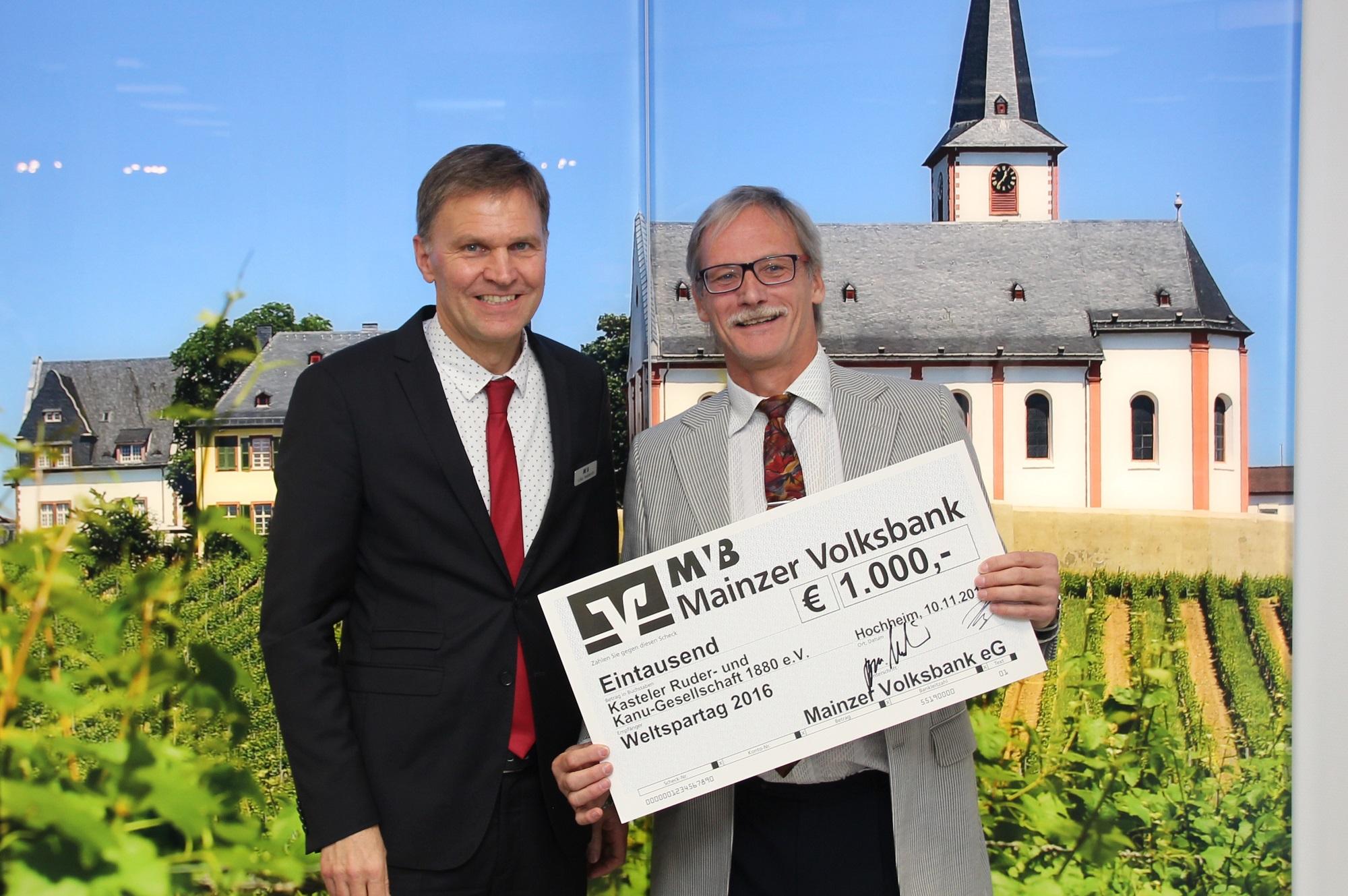 Bilder der Scheckübergabe in Hochheim 4
