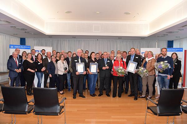 Gruppenbild mit allen Preisträgern