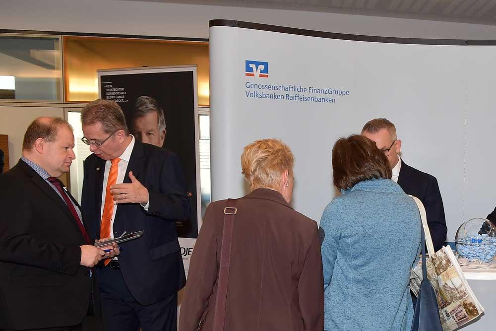Angeregte Gespräche bei der MVB-anlegermesse 2018 in Mainz