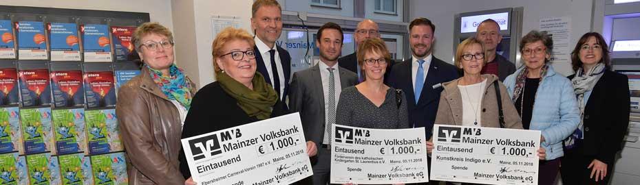 Scheckübergabe anlässlich Filialleiterwechsel in Filiale Ebersheim