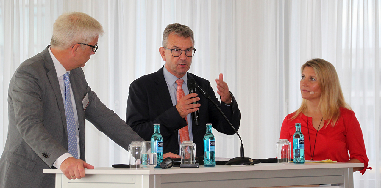 Herbert Kohlberg (MVB), Ulrich Dexheimer (ISB) und Patricia Köll (SWR) im Dialog